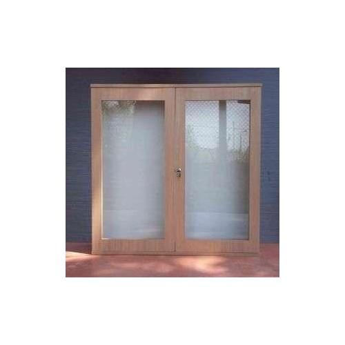 Gablota wisząca na ogłoszenia 2-drzwiowa lub przesuwane szyby dostępna w wymiarach:
